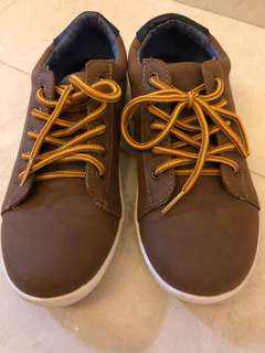 Lightly used Tommy Hilfiger Shoes for boys size 12M