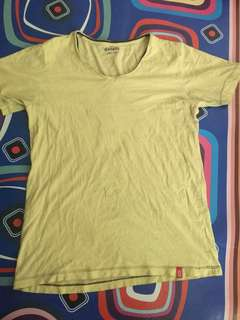 T-shirt merek details ori size S fit to M