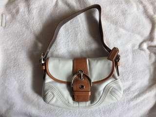 New!🎉 Coach hampton white brown leather purse