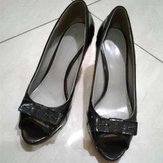 'Charles n Keith' Woman Shoes size.39