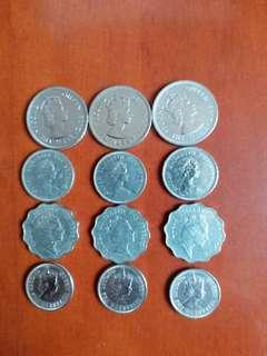 香港硬幣女王頭:大1元60年3個/小1元80年3個/2元85年3個/銀色5毫63年3個:/共12個