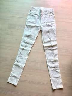 白褲微刷破/幾乎全新未穿過