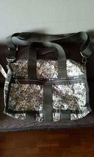 Lesportsac green floral bag euc