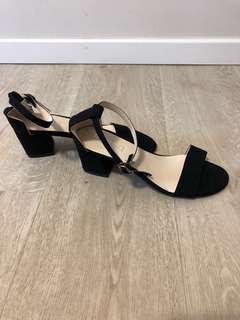 Black Heels *available in size 36-40*