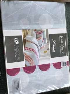 Brand New Jean Perry Paris 4 pieces queen fitted sheet - 728 thread count