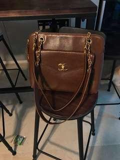 88% new vintage Chanel 深啡色荔枝皮上膊袋(己放銅鑼灣樂星寄賣