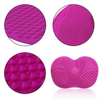 Silicone Makeup Brush Cleaning Mat – Rose Red