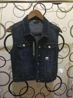 New!! Vest jeans