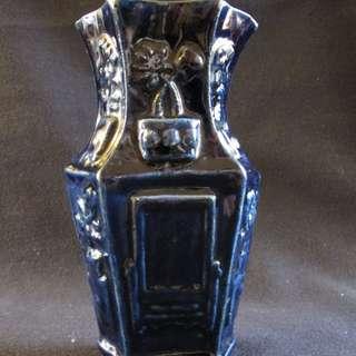 #1065 ,  清祭藍釉壓花六角瓶, 壓花為四時花卉 , 撇口- 古董