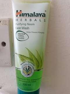 Himalaya foaming face