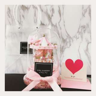 ⚠️現貨一個 🎉粉紅白色旋轉木馬永生花玫瑰花玻璃罩🌹