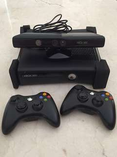 Xbox 360 + Kinect + 2 Stick + 2 Game