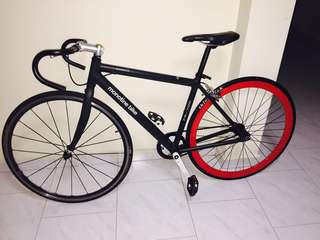 Almost new Monotine fixie single speed 7.5kg only