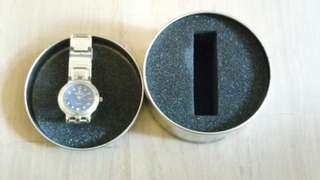 Woman watch in gift box