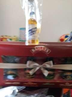 百利甜酒洒辦50mI4款口味禮盒套裝。