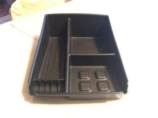 Elantra Centre console tray.