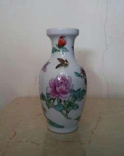 景德鎮彩蝶飛花陶瓷花瓶