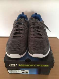 SKECHERS Sports Memory Foam Size: UK8