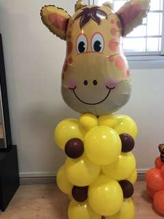 Giraffe balloon column