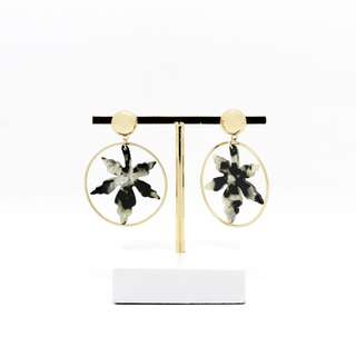 EMVINEX - Gold ring X acetate plate leaves plate in Black x White marble print fashion earring stud post