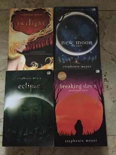 Twilight novel saga (twilight, new moon, eclipse, breaking dawn.)