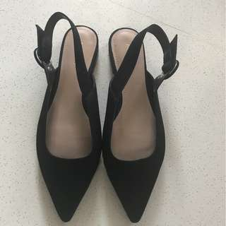 Mango pointed flats brand new