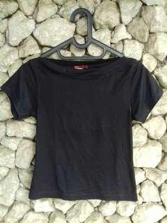 Black t-shirt by Sherwood
