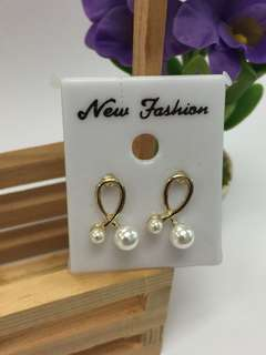 Earrings - Loop Pearl