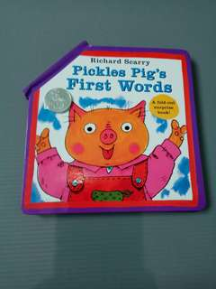 Richard Scarry's Pickles Pig's First Words Fold Out Book  Import children board surprise buku impor bbw anak tebal kardus bayi