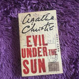 Evil Under the Sun by Agatha Christie (Bahasa Inggris)