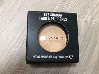 MAC Eyeshadow CRÈME DE MIEL
