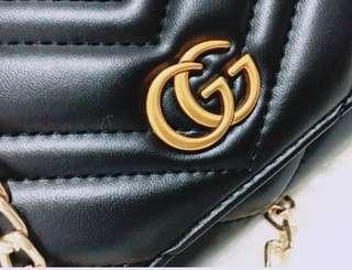 🚚 實物拍攝Gucci GG 金色雙G 壓紋 拉鍊長夾 錢包 錢夾 手拿包 頭層進口羊皮