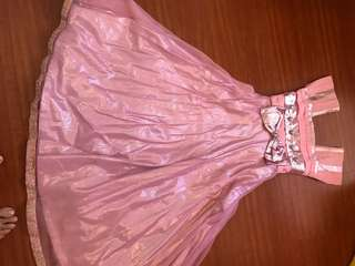 Beautiful Pink gown Perfect for any occasion Suitable for 6-7 yrs
