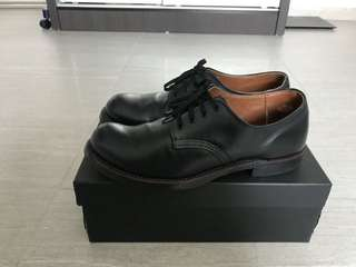 Pre-loved men's shoes