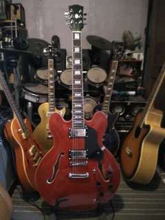 Es 335 jazz semi hollow