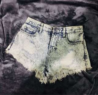 F21 Highwaist ripped denim shorts