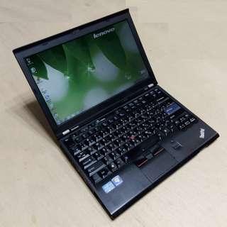 12.5吋 IBM/Lenovo Thinkpad X220 i5二代2520M 經典黑 輕巧筆電 !!