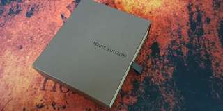 Louis Vuitton Men's Wallet (Pre-loved)