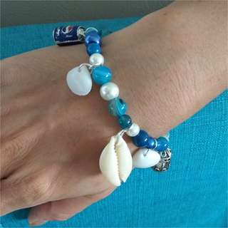 Pearl and Seashell Bracelet with a FREE pair of Earrings