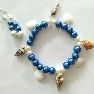 Pearl Bracelet with Seashell Pendants and a FREE pair of pearl Earrings
