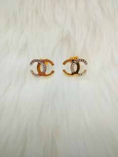 Chanel stud earrings in 14K 2g