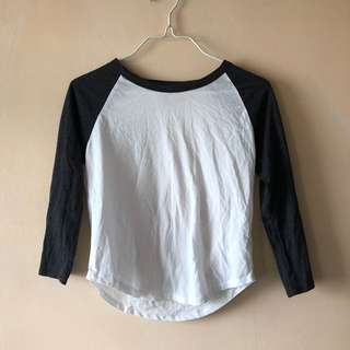forever 21 top with long black sleeves