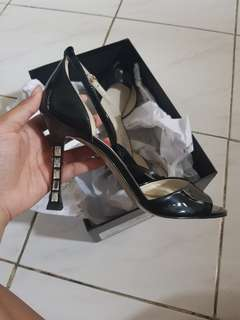 Charles and Keith black Heels size 38