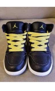Nike air Jordan retro phat black yellow toddler shoes 11c