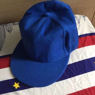 藍色淨色棒球帽