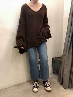 🚚 正韓貨 棕色v領毛衣