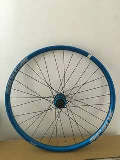 Spank Spike Race 33 27.5 MTB wheelset