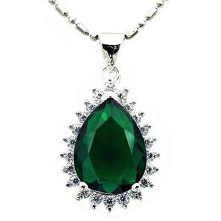 PENDANT GREEN PEAR PLATED WHITE GOLD + NECKLACE