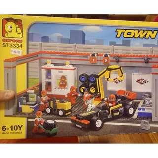 Oxford Set 3334 Race Car Garage