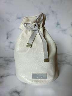 Dior 水桶化妝袋